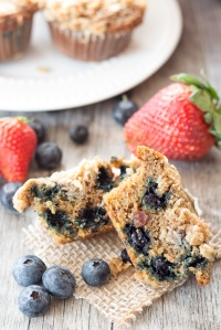Berry-Quinoa-Breakfast-Muffin-4